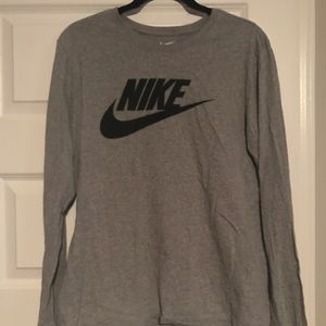 Pre owned Nike long sleeve shirt large women's